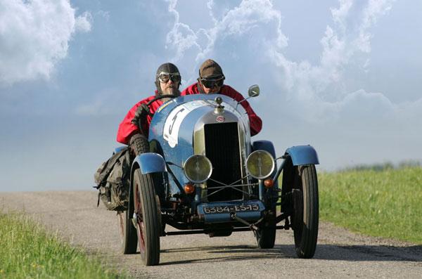 Rally-Auto Typ AZ ist mit Baujahr 1924