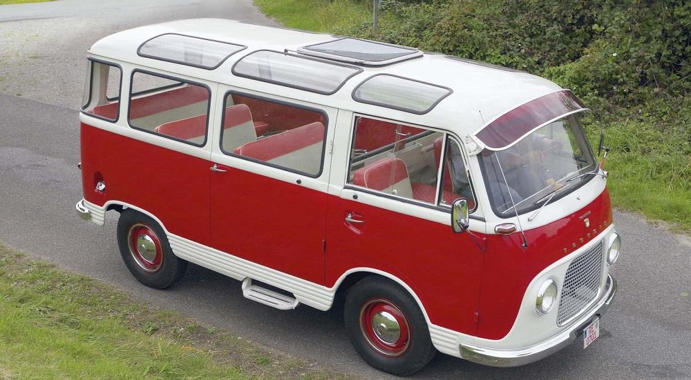 """Samba Colonia"": Mit neun Sitzplätzen und 17 Fenstern tritt der Ford Taunus Transit 800TT gegen den VW Bulli T1 Samba an."