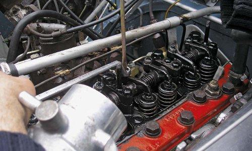 So stellen Sie Ventile ein und vermeiden Motorschäden.