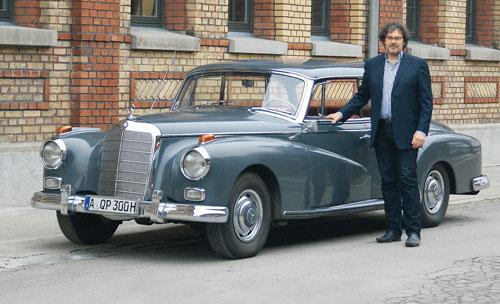 Mercedesfan mit Nummernfaible - Matthias Brunke und sein AdenauerFotos: J.M. Neuhaus, Matthias Brunke