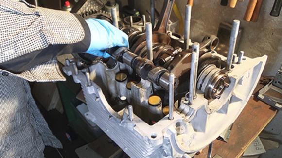 So bringen Sie einen Oldtimer-Motor wieder auf Zack