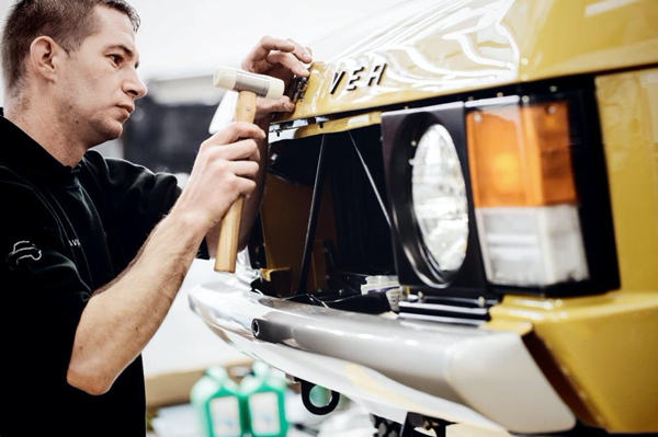 Debüt des ersten werksrestaurierten Range Rover Classic