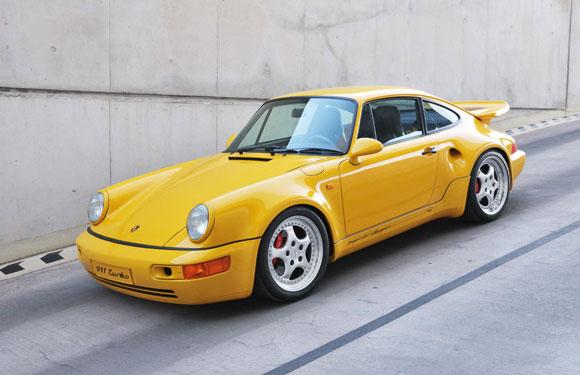 911 Turbo S 3,3 Leichtbau bei dem Porsche Museum 2011